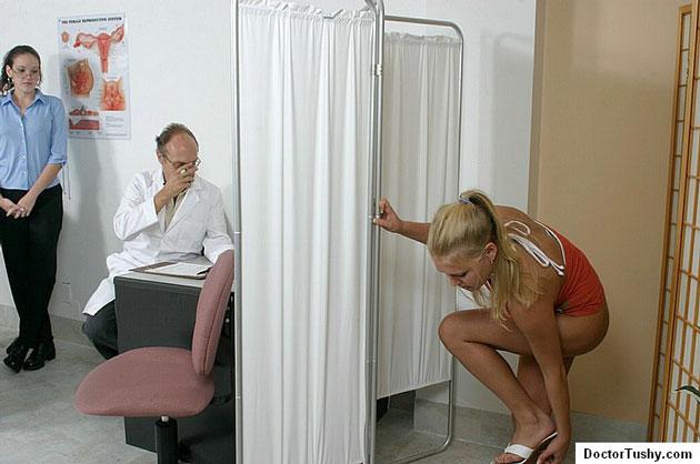 Uses the Visit female doctor fetish